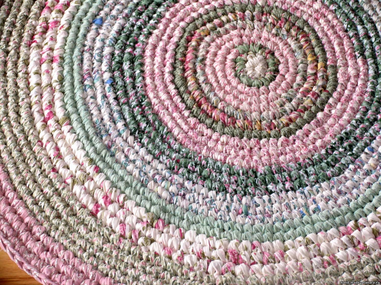 12 необычных идей как сделать коврики из старых вещей 68
