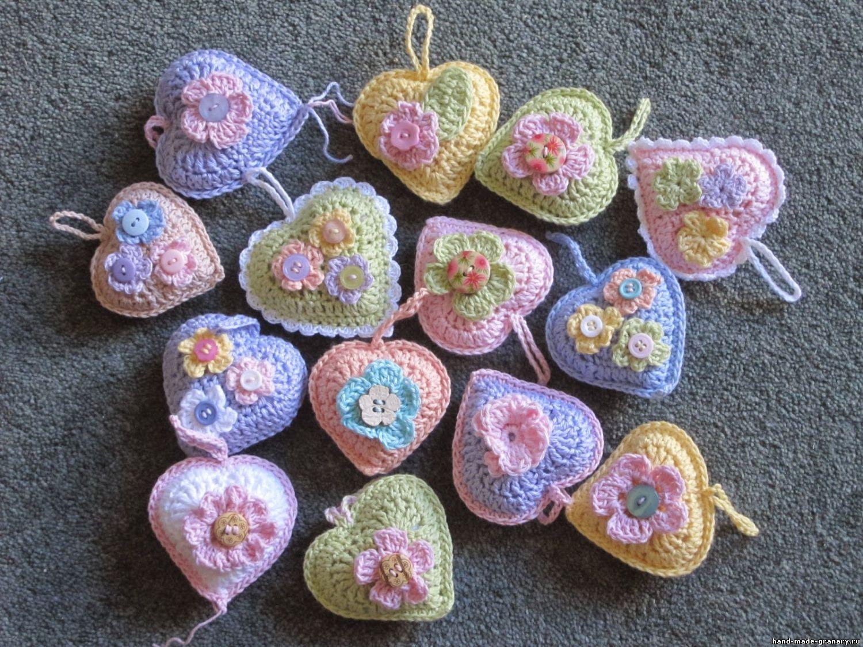 объемные вязаные сердечки крючком вязаные игрушки и сувениры